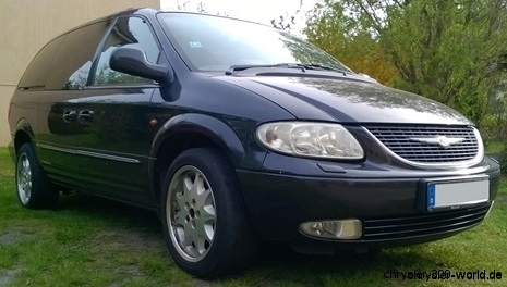 Front Grand Voyager RG BJ.2001